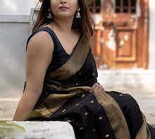 Load image into Gallery viewer, Traditional Maheshwari Sarees In Black,Maheshwari Sarees In Pune