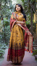 Load image into Gallery viewer, Pure Linen Saree Online In Red Yellow & Cream,Pure Line  Saree