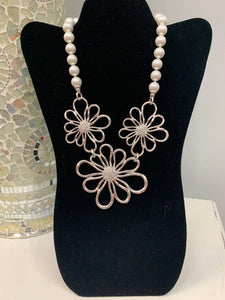 Silver Flower Pearl Necklace