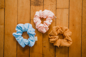 Load image into Gallery viewer, Essential Scrunchie