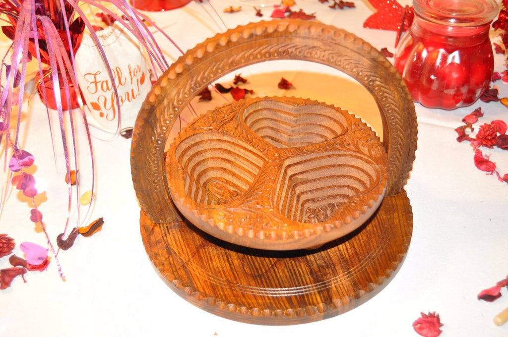Handmade Rosewood Collapsible Basket - 3 Compartment Heart