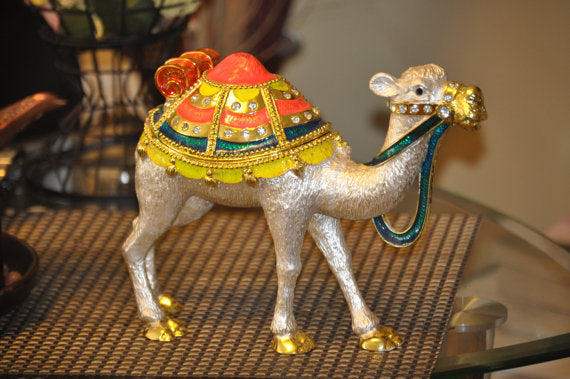 Decorative silver Plated Camel trinket Box. 10x8inc