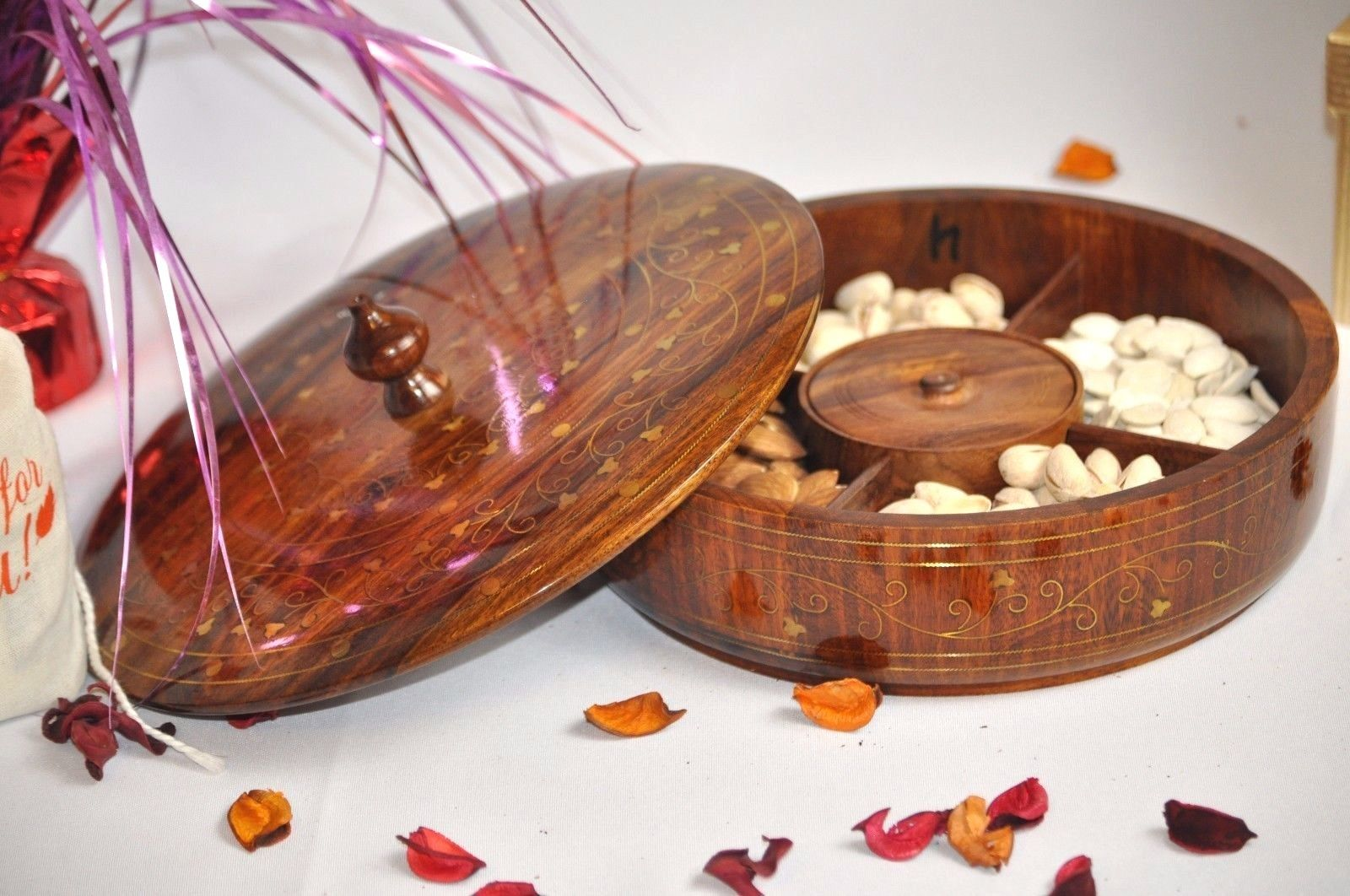 Handmade Rosewood Dry fruit tray with Brass Inlay