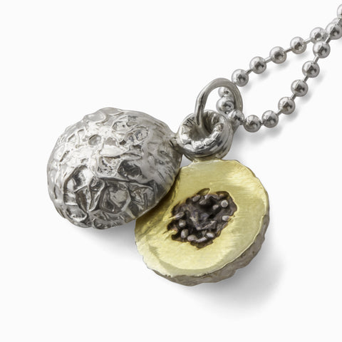 Melon-Drama Necklace