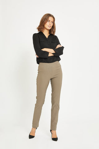 Betty Regular Trousers in Falcon and Grape