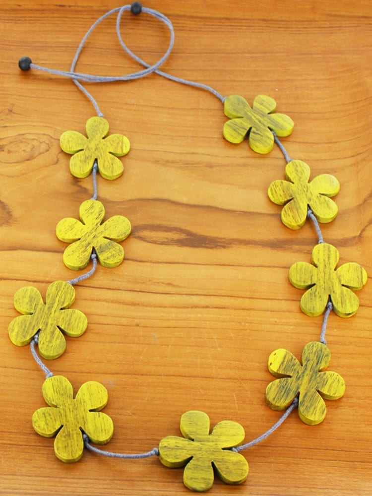 Wooden Flower Necklace Various Colours