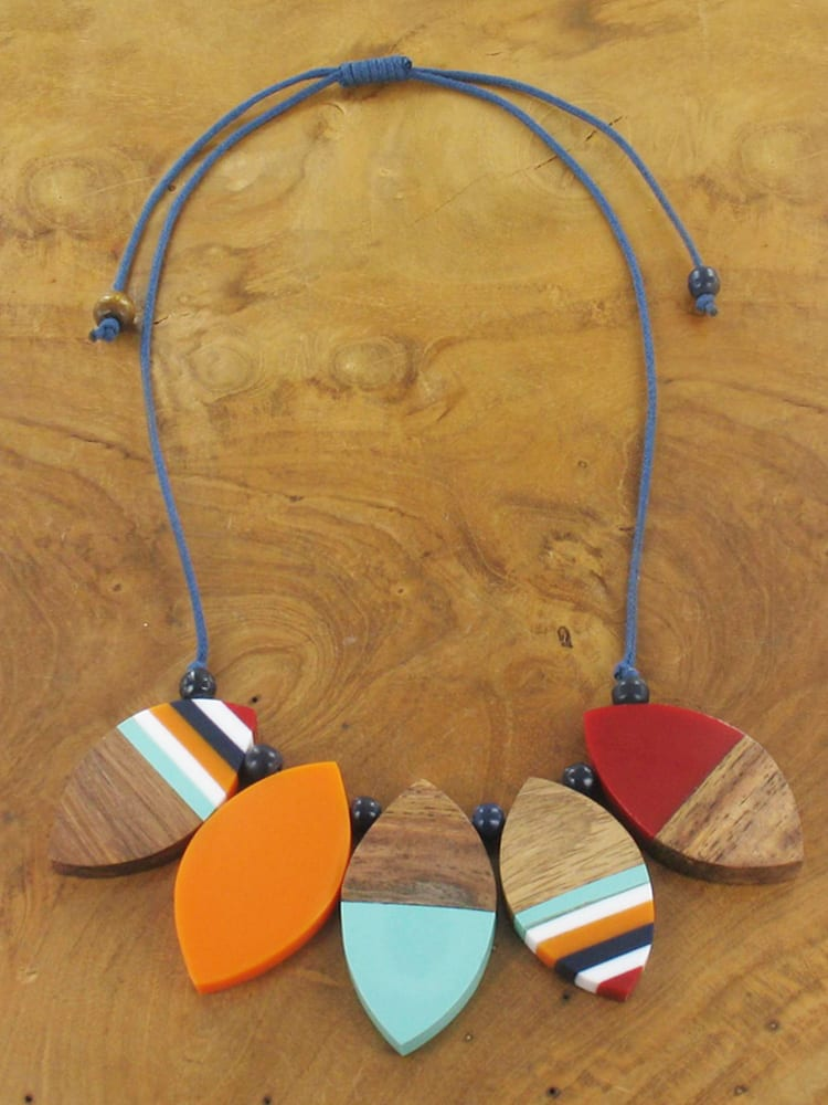Short Coloured Resin and Wood Necklace