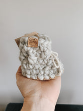 Load image into Gallery viewer, Wool booties - PEARL GREY