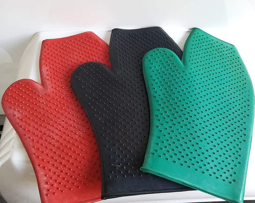 Saddle Up Grooming Glove Rubber