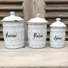 Set of enamel canisters