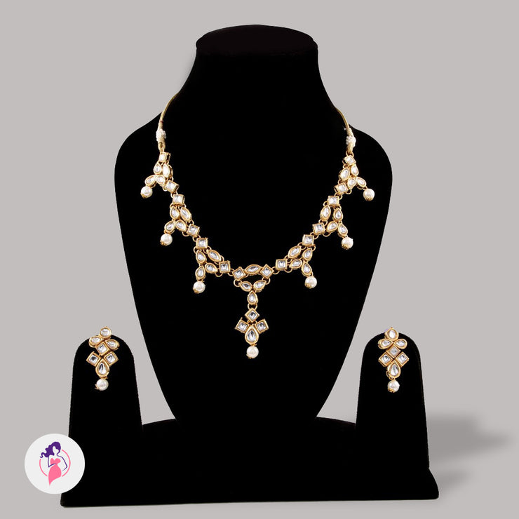 Sophisticated Kundan Pearl Necklace Set