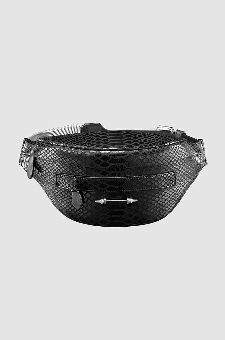 Banana Belt Bag Black Python Silver