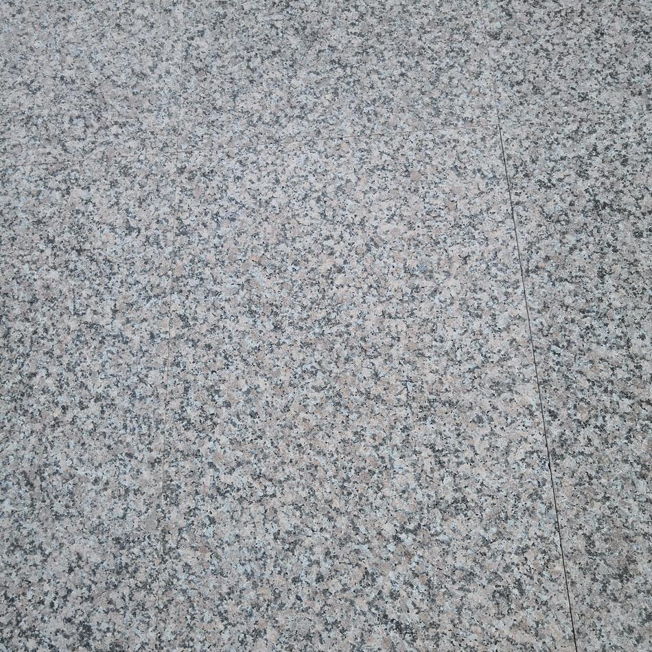 maple red granite paving 900x600