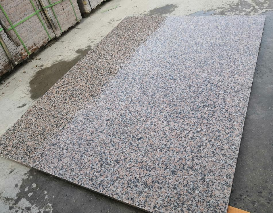 red granite paving 900x600