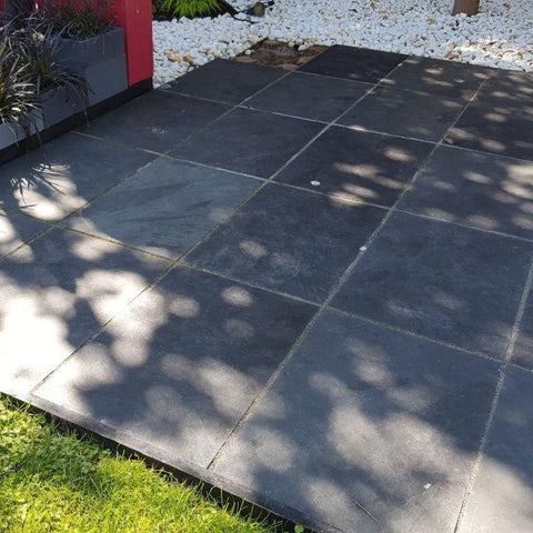 black slate paving slabs