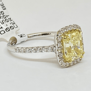 Mark Areias Jewelers Jewellery & Watches Cushion Light Fancy Yellow and Round Diamond Solitaire Ring 18 Karat 2.51 CT VS1