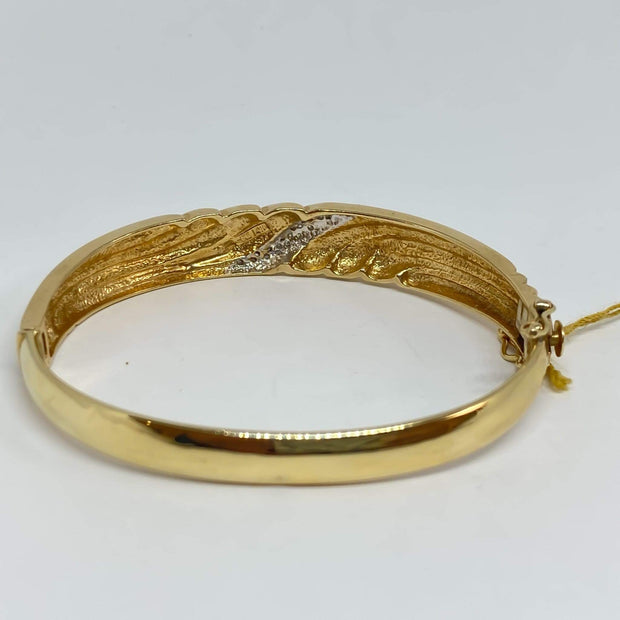 Mark Areias Jewelers Jewellery & Watches Estate Pave Oval Wave Bangle Bracelet Diamond .10ctw 14K Yellow Gold