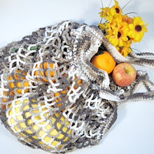 Load image into Gallery viewer, Medium Crochet French Market Bags