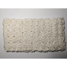 Load image into Gallery viewer, Chunky Crochet Cowl 24""