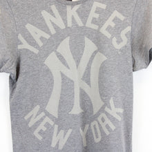 Load image into Gallery viewer, MLB MAJESTIC New York YANKEES T-Shirt Grey | XS