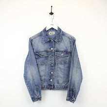 Load image into Gallery viewer, Womens 80s Denim Jacket Light Blue | Small