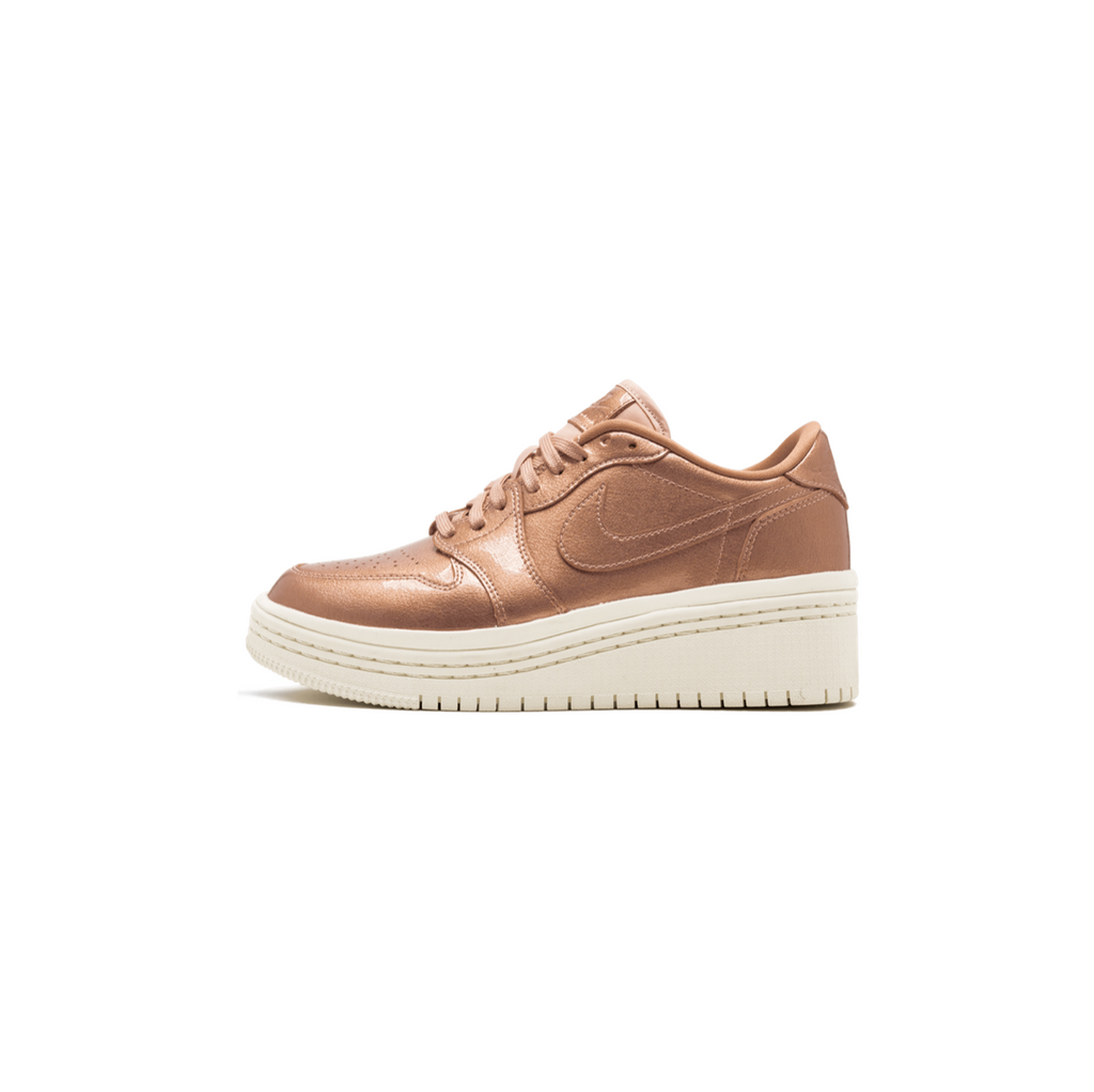 WOMEN'S AIR JORDAN 1 RE LOW LIFTD - MTLC RED BRONZE