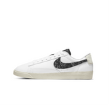 WOMEN'S NIKE BLAZER LOW SE - WHITE/WHITE-BLACK-LIGHT BONE