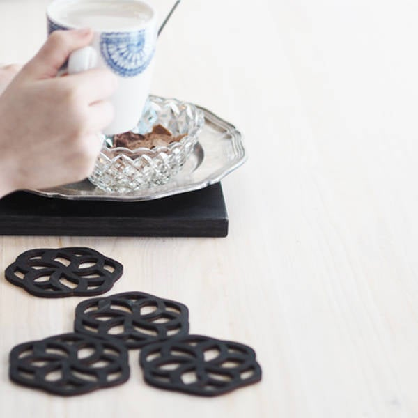 Wooden coasters 4 pcs