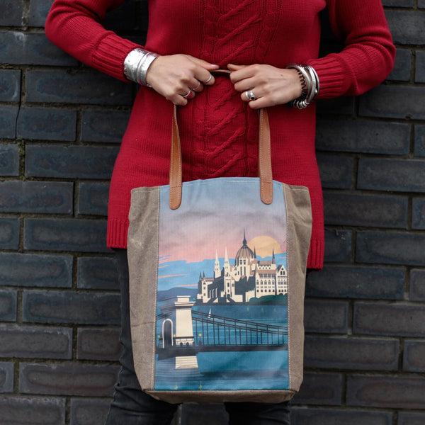 Budapest Vintage Travel Bag - Gift2U.co.uk - Unique gifts online to You