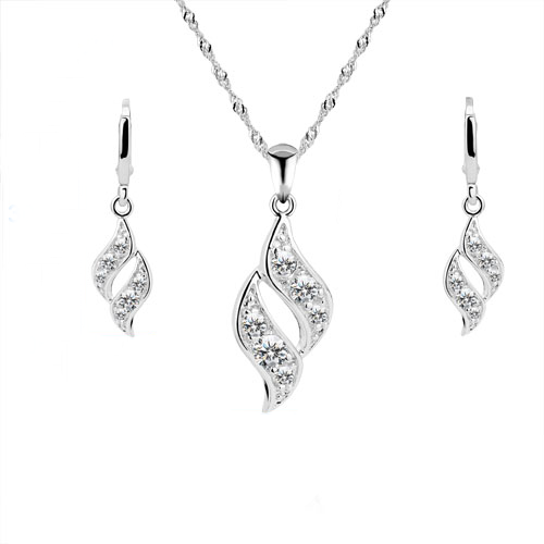 A 925 sterling silver twist like pendant and earrings set. For pierced ears.