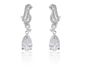 A beautiful statement platinum finished pear drop earrings and necklace set. For pierced ears. Ideal for a special occasion evening wear earrings