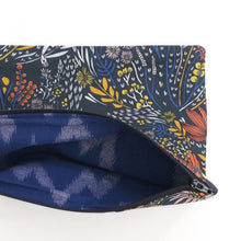 Load image into Gallery viewer, Zipper Pouch - Favorite Flora