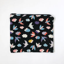 Load image into Gallery viewer, Zipper Pouch - Birdies