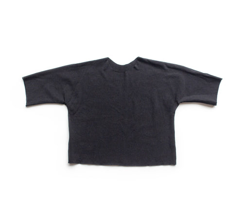Lilla Barn Clothing | Gender neutral baby top | Black dolman