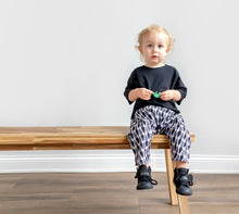 Load image into Gallery viewer, Lilla Barn Clothing Black & White Gender Neutral baby pants