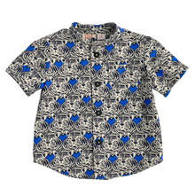 Load image into Gallery viewer, Lilla Barn Clothing gender neutral tiger button down size 3T