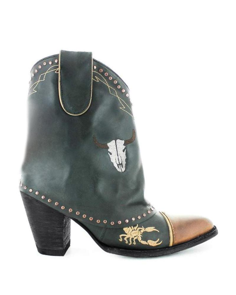Vieley Pointed Toe Rivet Embroidery Embellished Slip-on Boots
