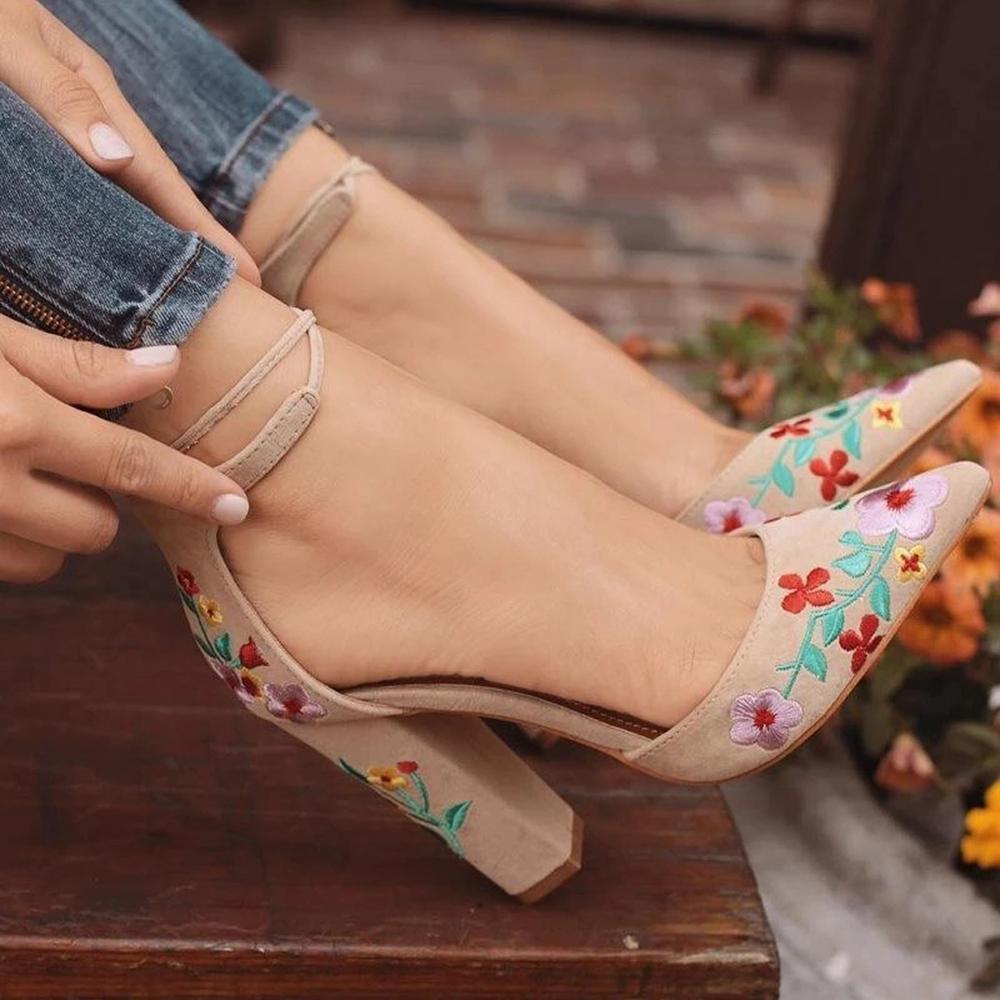 Vieley Womens Floral Embroidered Block Heel Sandals