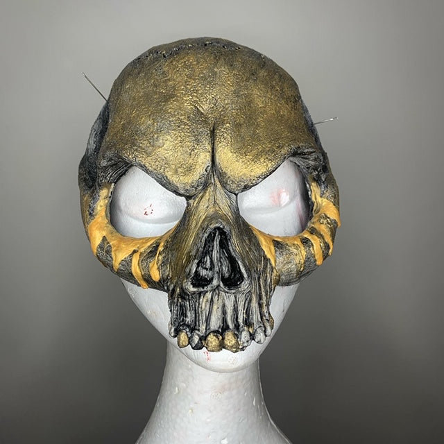 Skull Face Mask Gold Pearl