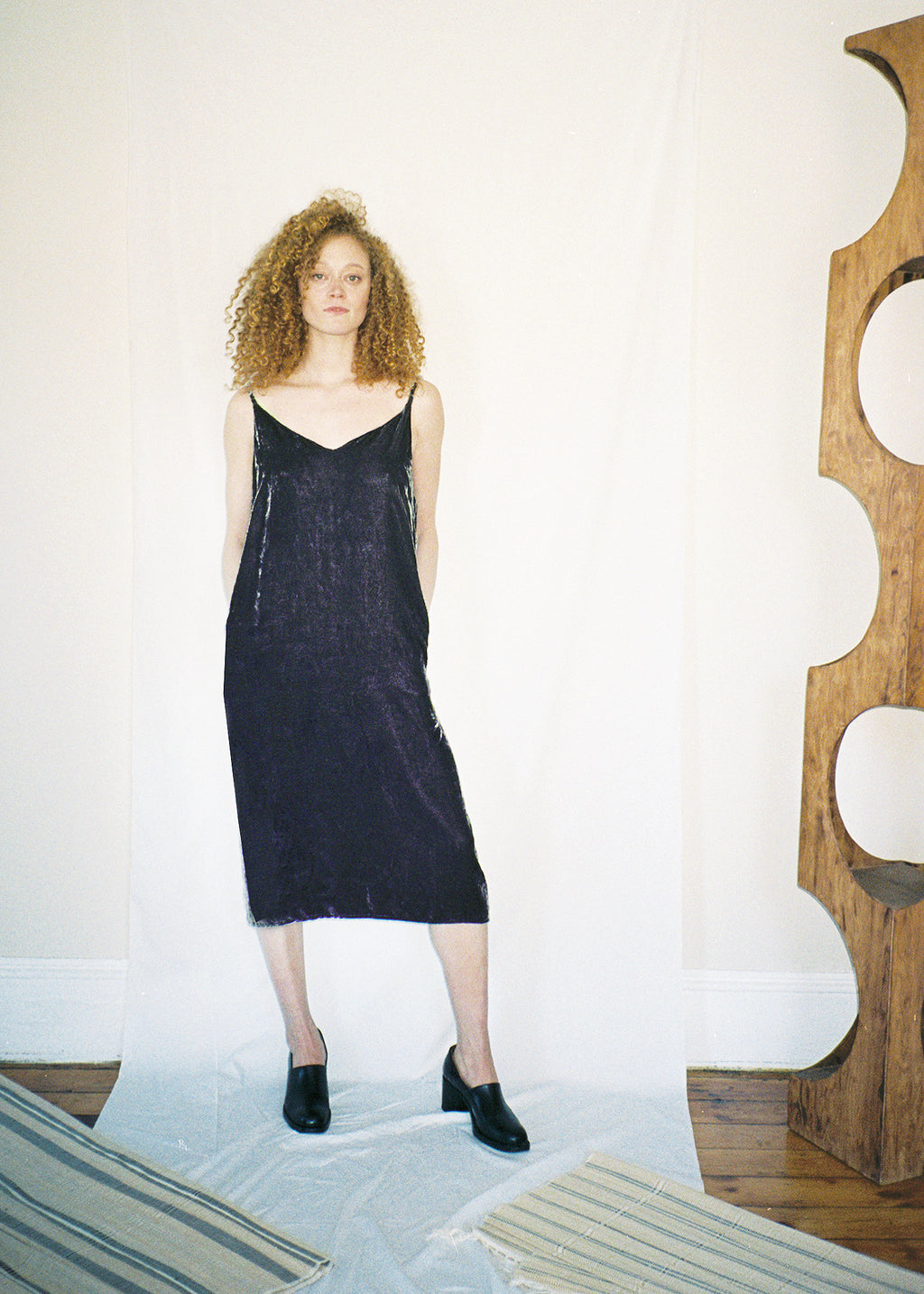 COLORANT VELVET SLIP DRESS | TARO