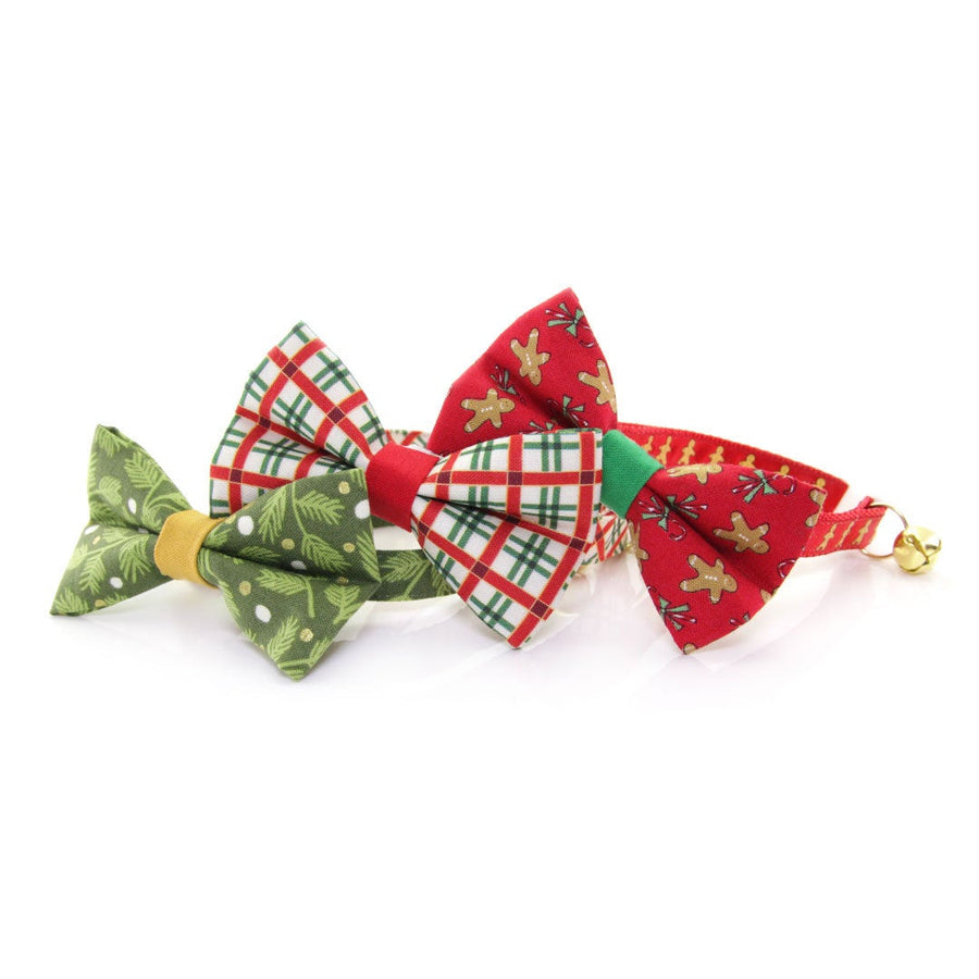 "Holiday Pet Bow Tie - ""Winter Garland - Forest"" - Green Mistletoe Bowtie for Pet Collar / For Cats + Small Dogs / Removable (One Size)"