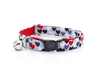 "Cat Collar + Flower Set - ""Crush"" - Scatter Hearts on Gray Cat Collar w/ Scarlet Felt Flower (Detachable) / Valentine's Day"