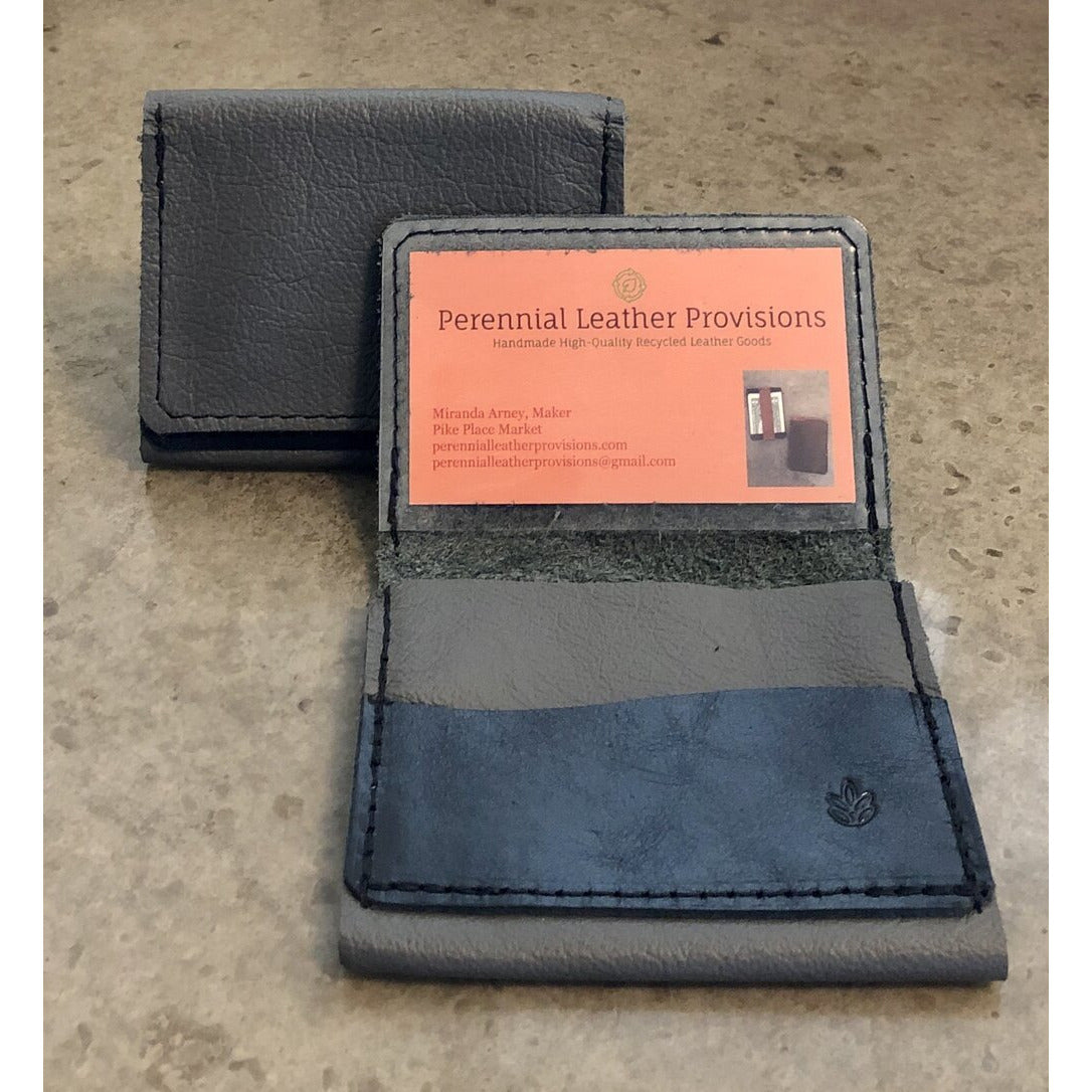 Leather Flip Pouch in grey with black pocket