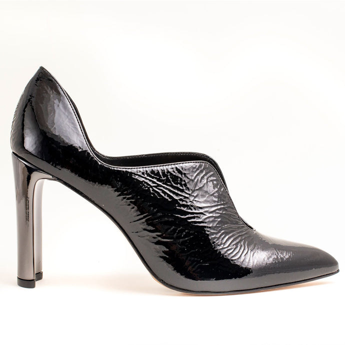 BLACK LADIES LEATHER PUMPS