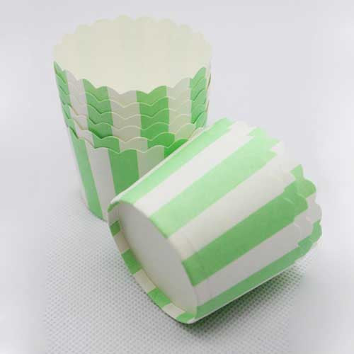Pack of 20 Candy Stripes Mint Green/White Baking Candy Cups with Scallop Edge
