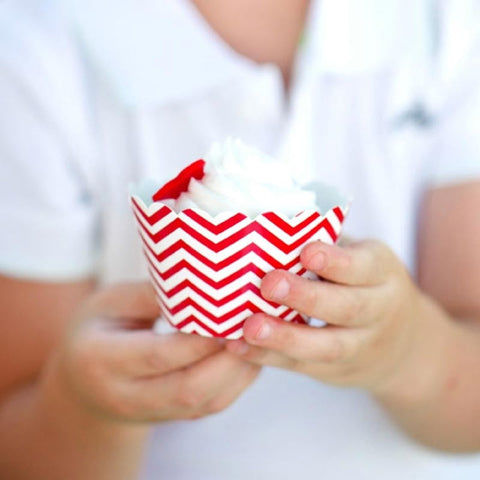 Pack of 12 Skinny Chevron Red/White Cupcake Wrappers with Scallop Edge