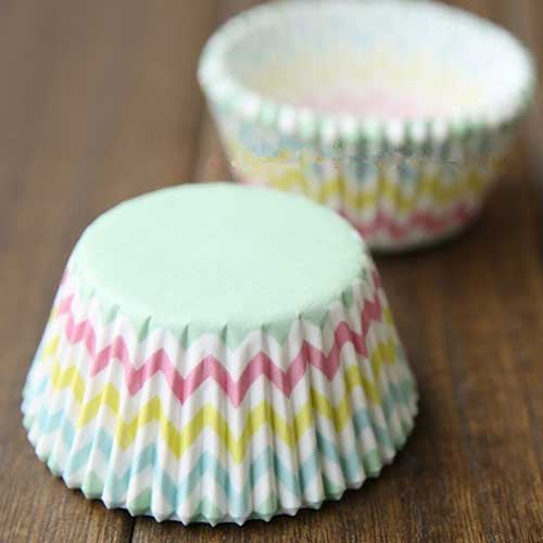Set of 25 Greaseproof Chevron Rainbow Cupcake Wrappers Liners