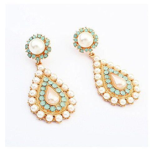 Drop Earrings With Pearls