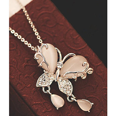 Charming Butterfly Pendant Necklace