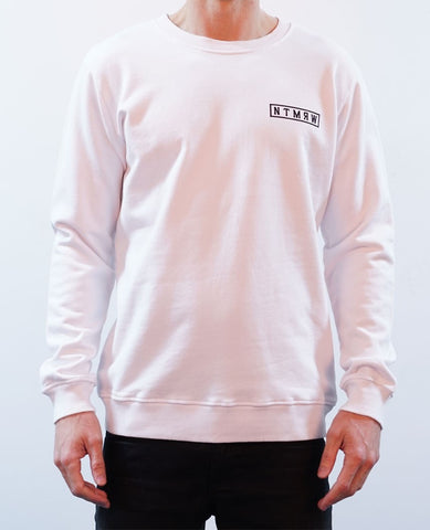 BASIC CREW JUMPER - WHITE